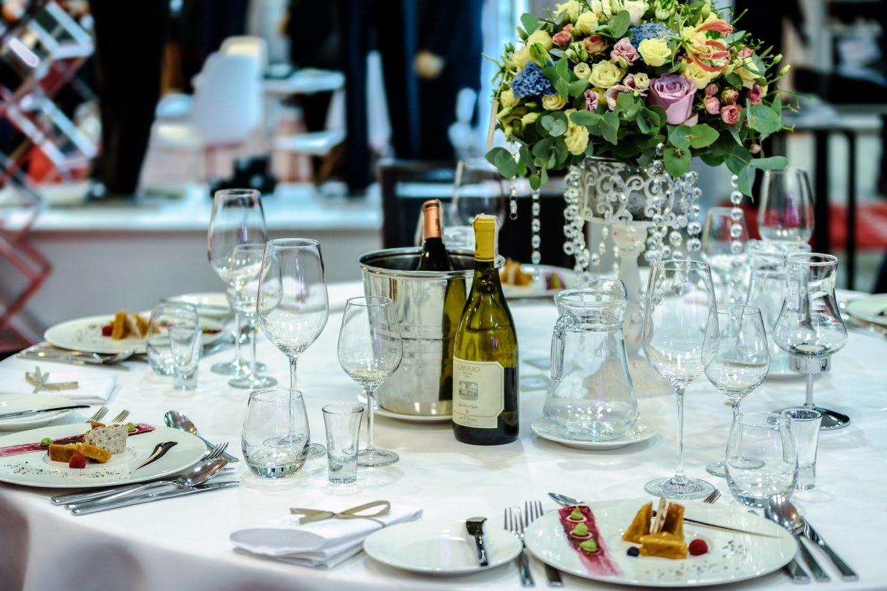 exclusive-banquet-1812772_1920-1280x853.jpg